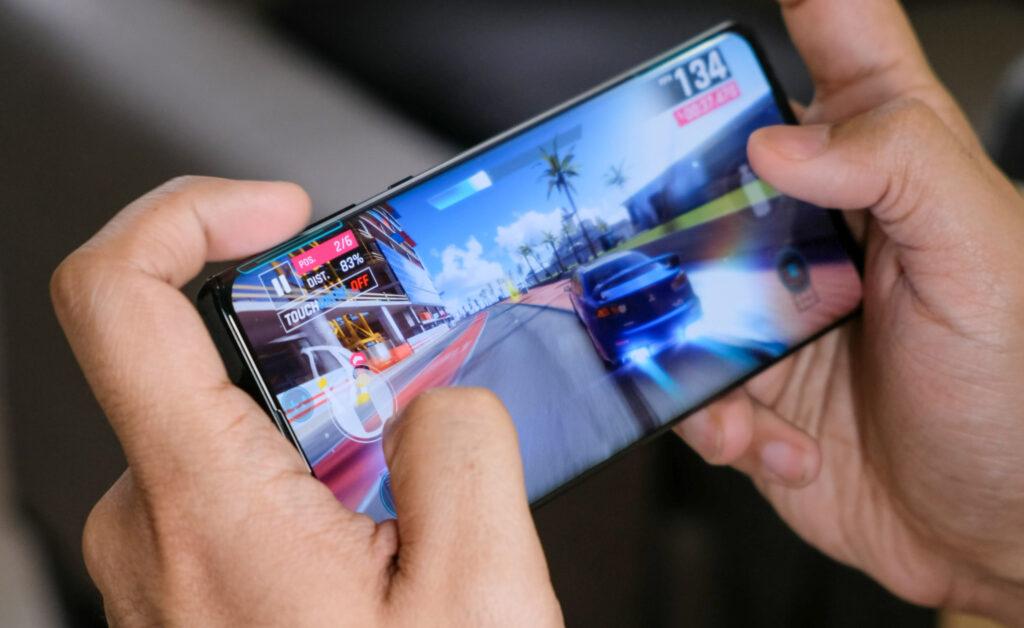 Подробный обзор Motorola Edge: (тест, дисплей, камера, цена, выпуск, цвета, сравнение)