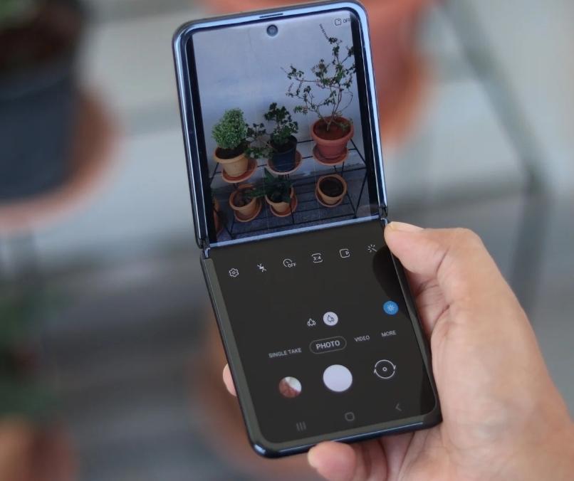 Более дешевый Galaxy Z Flip 3 может стать лидером в стратегии Samsung 2021 года