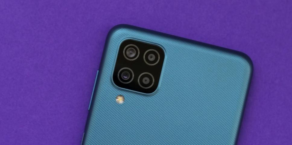 Обзор Samsung Galaxy M12: удивительно хороший бюджетный телефон